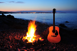 Lagerfeuer Outdoor party gitarre