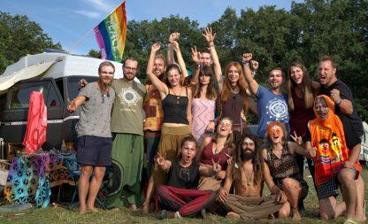 Deine Hippie-Party – nur echt mit dem VW-Bus
