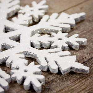 Hüttenzauber mit Schneeflocken