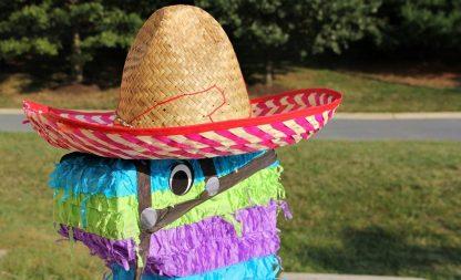 Feiern auf Mexikanisch: Sombrero  Tequila und Tortilla