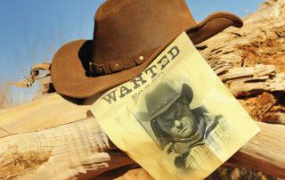 Cowboy Hut und Zettel Wanted Dead or Alive