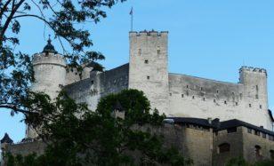 Fahrende Ritter und mittelalterliche Herausforderungen