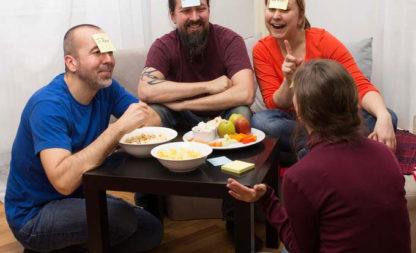 Kein Kinderspiel für Klugscheisser – schräge Partyspiele für Erwachsene