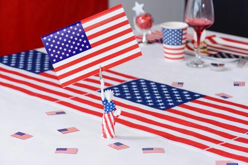 Tischdeko zur amerikanischen Mottoparty