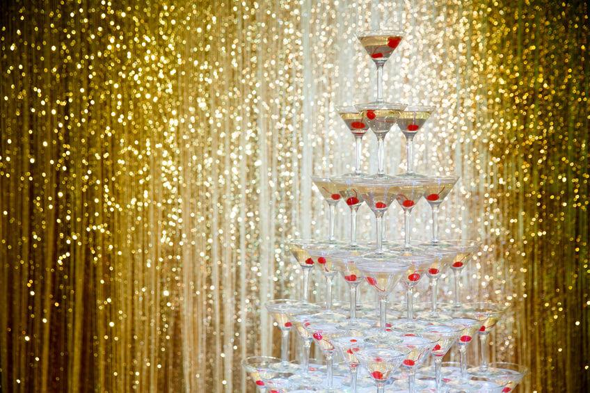 Champagner-Pyramide für deine 20er Jahre Party