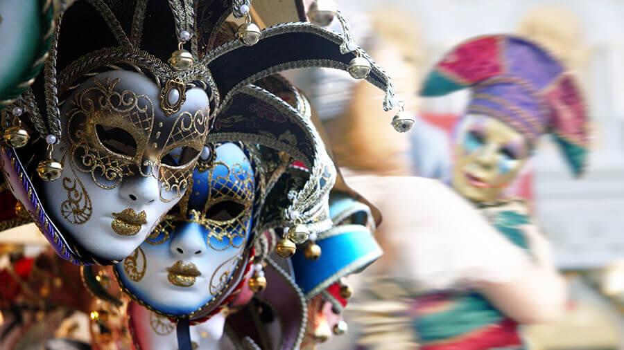 Mottoparty venezianischer Maskenball