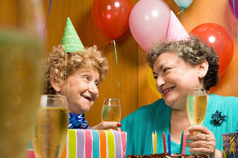 Geburtstagsparty mit Sekt