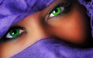 Kontaktlinsen in Grün