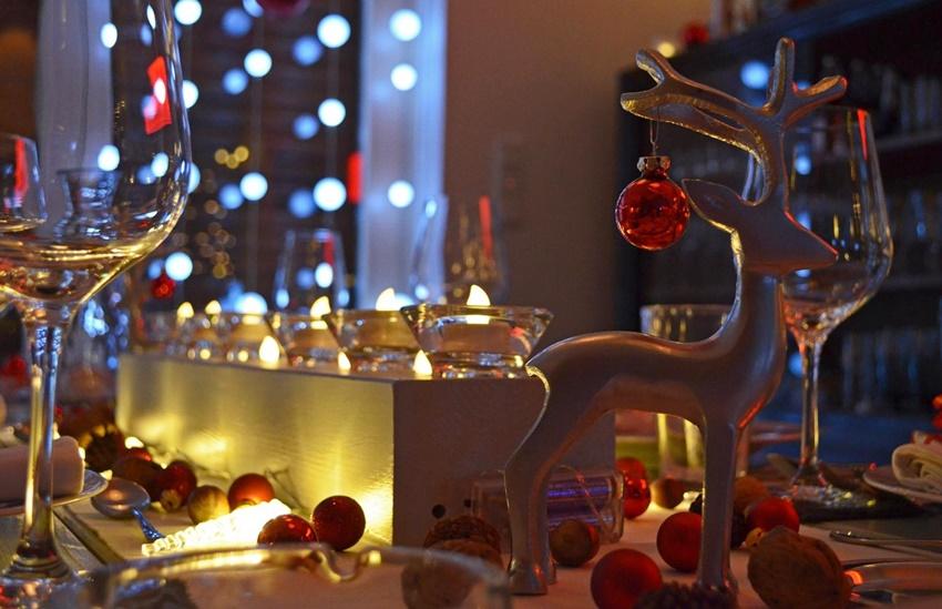 Tischdekoration Weihnachtszeit