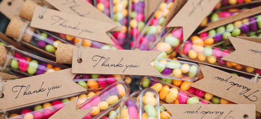 Kreative Souvenirs: Die besten Mitbringsel zur Geburtstagparty für Erwachsene